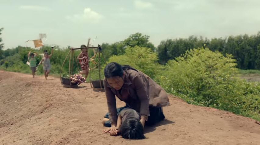 """Phim ngắn """"10 bước chân"""": Câu chuyện đẫm lệ về cậu bé bị bệnh tim bẩm sinh-11"""