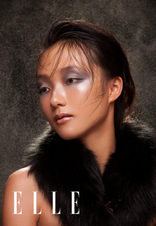 Em gái Trang Khiếu làm người mẫu không thua kém chị-3