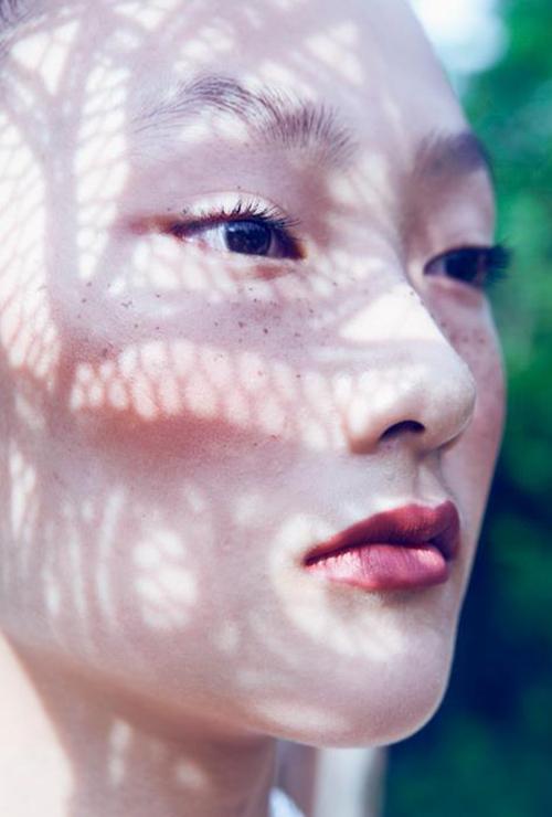 Em gái Trang Khiếu làm người mẫu không thua kém chị-1