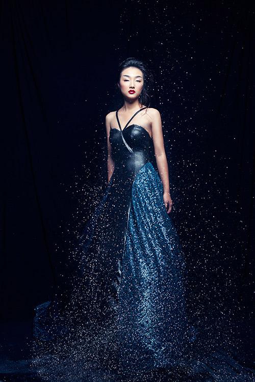 Em gái Trang Khiếu làm người mẫu không thua kém chị-10