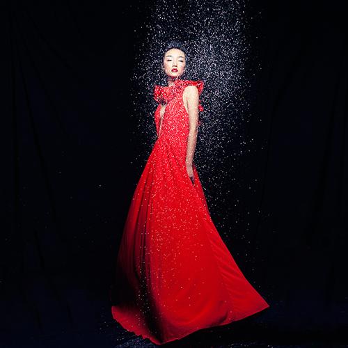 Em gái Trang Khiếu làm người mẫu không thua kém chị-8
