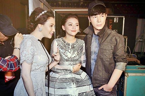 "ho quynh huong noi gian vi bi nathan lee ""ngo lo"" - 15"