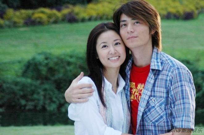 """Fan trêu chọc Lâm Tâm Như: """"Chồng của em giờ đã là ông xã của chị""""-4"""