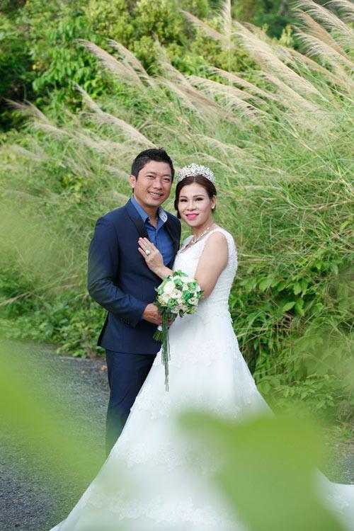 Kinh Quốc kết hôn lần 2 với vợ doanh nhân bằng tuổi-2