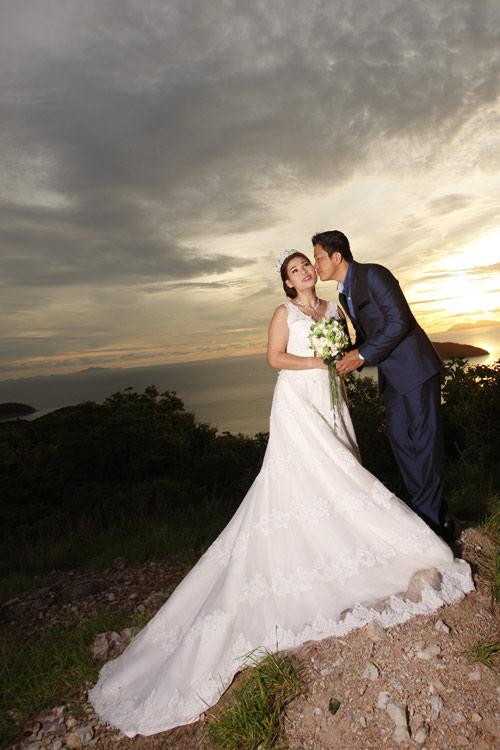 Kinh Quốc kết hôn lần 2 với vợ doanh nhân bằng tuổi-3