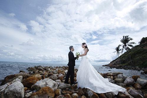 Kinh Quốc kết hôn lần 2 với vợ doanh nhân bằng tuổi-6