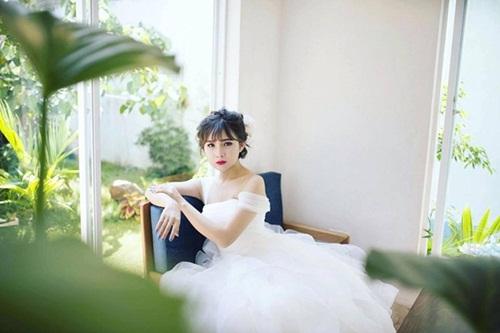 ngoc trinh: hot girl chuyen gioi 18 tuoi dep nhu huong giang idol - 2