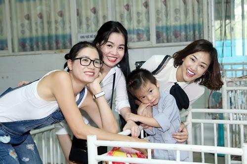 """maya bat ngo duoc fan to chuc sinh nhat, dong vien tinh than """"bim sua"""" - 4"""