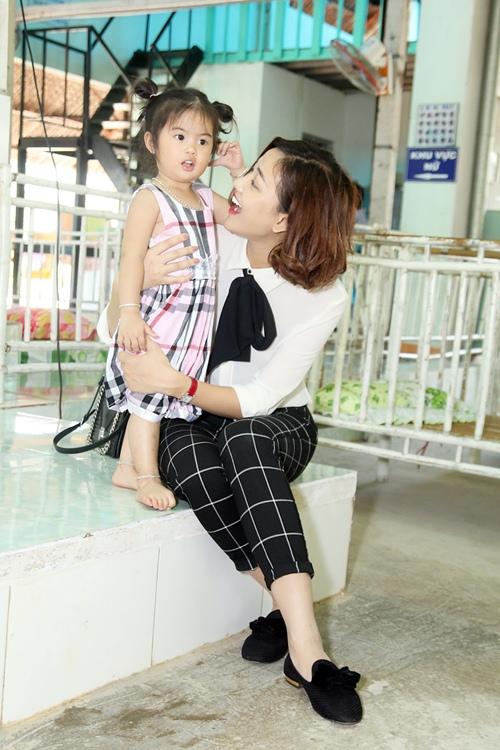 """maya bat ngo duoc fan to chuc sinh nhat, dong vien tinh than """"bim sua"""" - 13"""