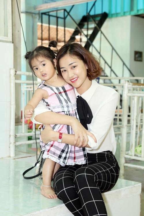 """maya bat ngo duoc fan to chuc sinh nhat, dong vien tinh than """"bim sua"""" - 14"""