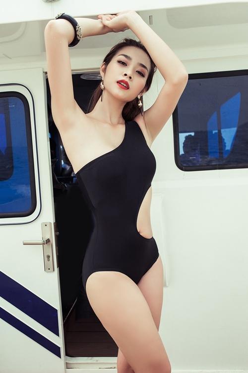 diep bao ngoc tu tin khoe vong eo 58cm voi bikini - 1