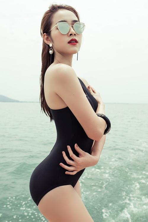 diep bao ngoc tu tin khoe vong eo 58cm voi bikini - 10