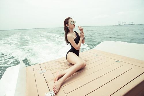diep bao ngoc tu tin khoe vong eo 58cm voi bikini - 2
