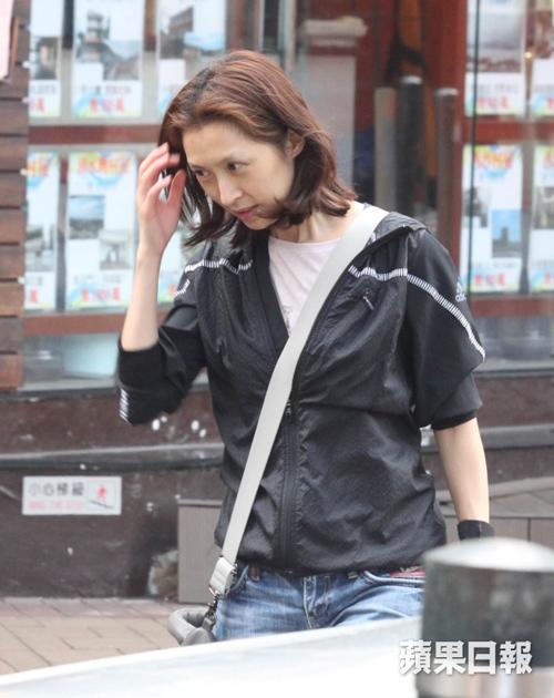ngoi sao 24/7: bi che chan ngan, song hye kyo kheo leo chup anh chan dai - 4