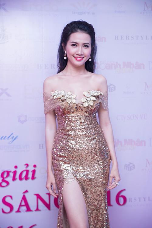 """phan thi mo lan dau """"ho bao"""" di su kien - 1"""