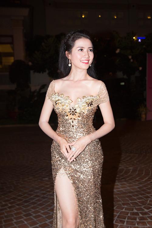 """phan thi mo lan dau """"ho bao"""" di su kien - 6"""