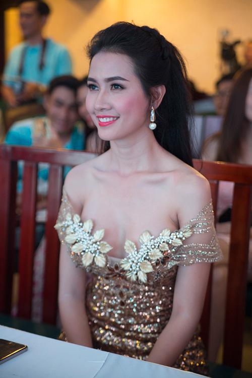 """phan thi mo lan dau """"ho bao"""" di su kien - 5"""