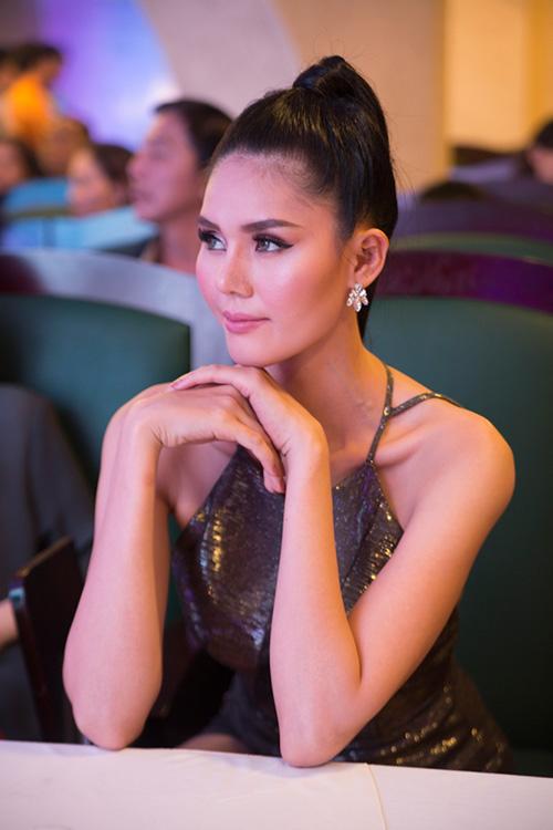 """phan thi mo lan dau """"ho bao"""" di su kien - 9"""