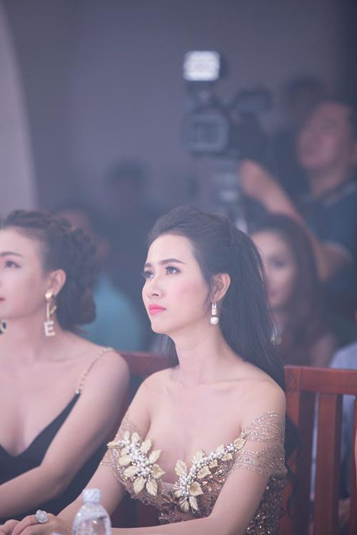 """phan thi mo lan dau """"ho bao"""" di su kien - 10"""