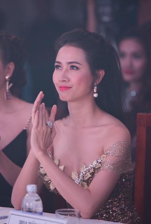 """phan thi mo lan dau """"ho bao"""" di su kien - 11"""