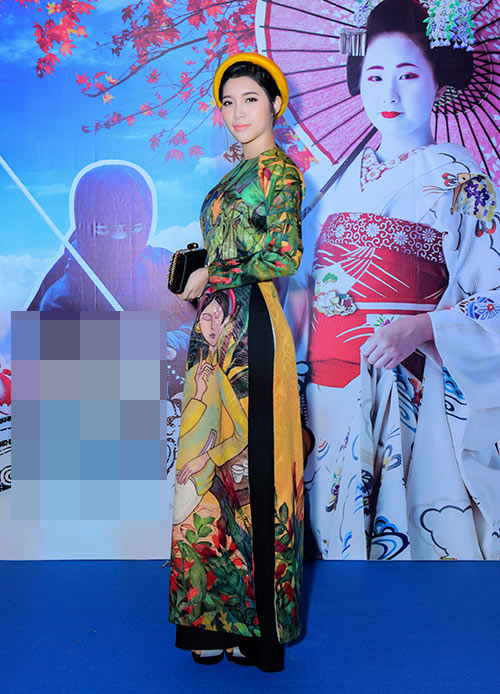 "vang chong, trang la ""ru"" yan my xung xinh ao dai di su kien - 5"