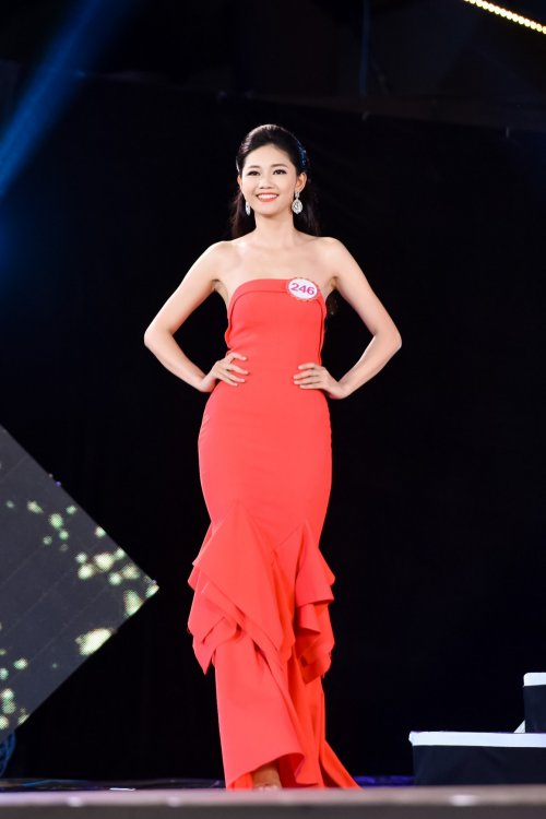 chung khao phia bac hhvn 2016: em gai a hau tra my dep xuat sac - 2
