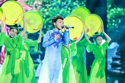 "ho van cuong, phuong my chi va nhung hien tuong nhi hat dan ca ""ngot don tim"" - 4"