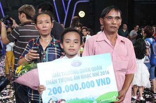 vietnam idol kids 2016: ho van cuong doat quan quan nho… nuoc mat khan gia? - 1