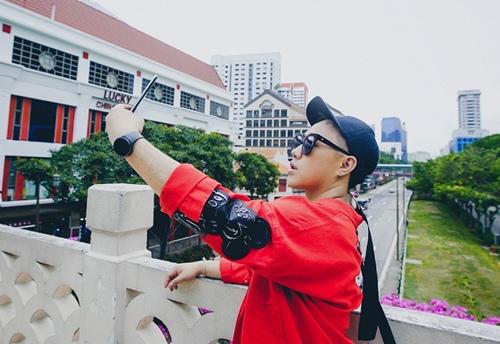 """""""thanh mua"""" trung quan sang singapore 1 tuan de quay mv - 1"""