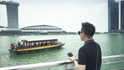"""""""thanh mua"""" trung quan sang singapore 1 tuan de quay mv - 3"""