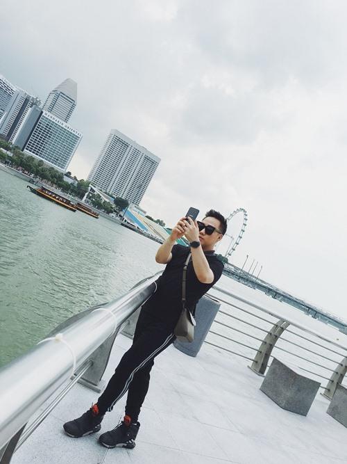 """""""thanh mua"""" trung quan sang singapore 1 tuan de quay mv - 7"""