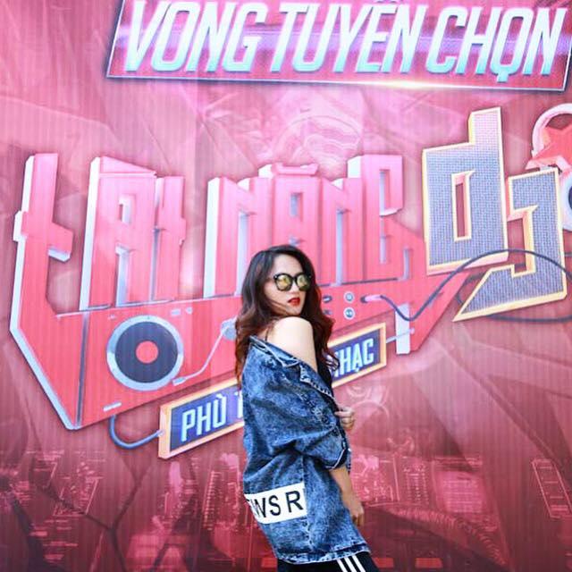 """huong giang idol kheo chon do khoe than hinh sexy hon ca """"gai xin"""" - 14"""
