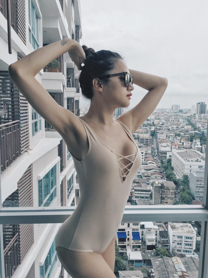 """huong giang idol kheo chon do khoe than hinh sexy hon ca """"gai xin"""" - 4"""