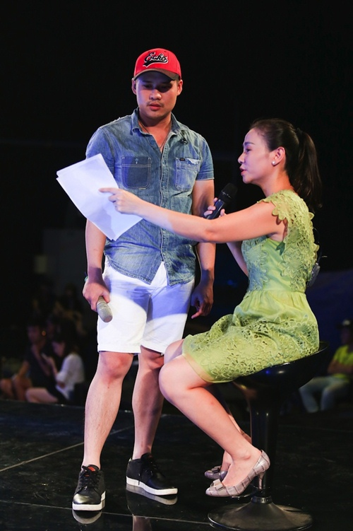 "thu minh thanh lich lam ""co giao"" cho thi sinh vietnam idol - 9"