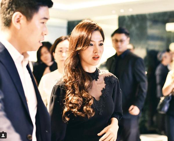 nguong mo nhan sac tre mai khong gia cua song hye kyo - 2
