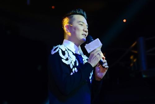 "dam vinh hung: ""toi chua bao gio duoc hanh phuc"" - 6"