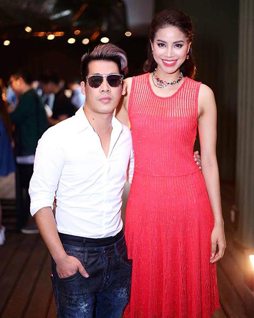 stylist travis: the face hot nhu vay la nho pham huong dam dong vai ac - 1