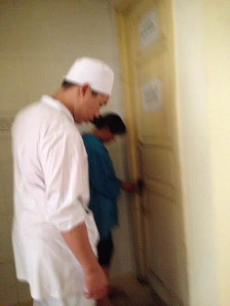 benh nhan phai dong truoc 220 nghin moi duoc di ve sinh o benh vien - 6
