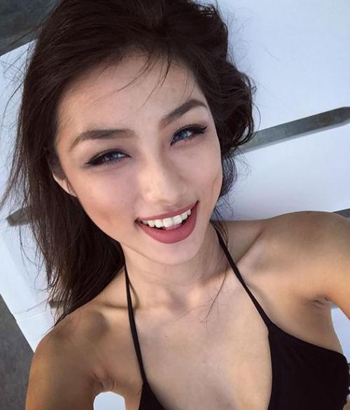 hot girl hoc vien hang khong tu hao khoe vong 3 dep den phat ghen - 7