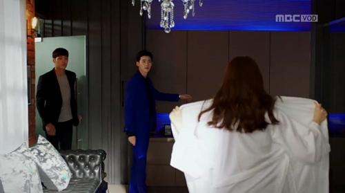 """hai the gioi"" tap 3: lee jong suk ban han hyo joo sau khi hon tham thiet - 12"