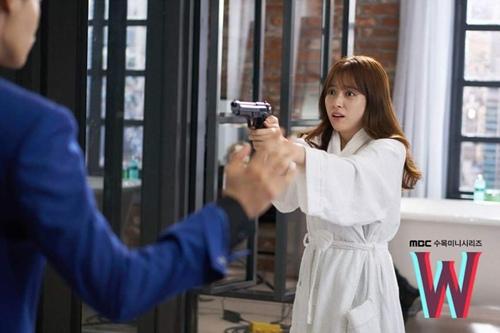 """hai the gioi"" tap 3: lee jong suk ban han hyo joo sau khi hon tham thiet - 5"