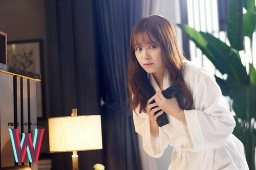"""hai the gioi"" tap 3: lee jong suk ban han hyo joo sau khi hon tham thiet - 2"