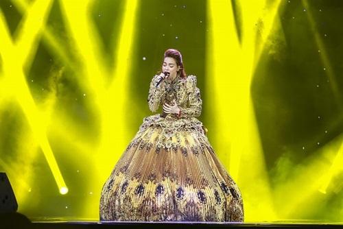 """bo me ha ho cung pham huong, lan khue di ung ho liveshow """"love songs"""" - 1"""