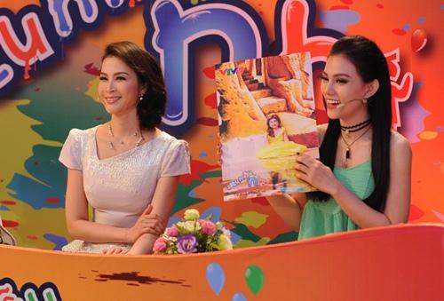con trai thu thuy lan dau lo dien truoc cong chung - 6