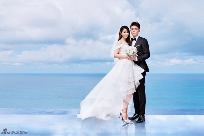 Sau đám cưới hoành tráng vào ngày 31/7, trọn bộ ảnh cưới của Lâm Tâm Như và Hoắc Kiến Hoa cũng chính thức được công bố. Bộ ảnh nhanh chóng trở thành tiêu điểm trên mặt báo và trên các diễn đàn.