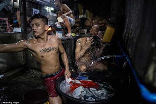 nhung hinh anh khung khiep ben trong nha tu khet tieng bac nhat philippines - 5