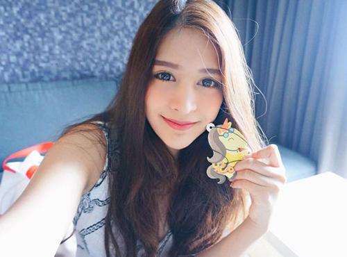 ve dep khong the roi mat cua hot girl thai lan mang dong mau lai - 1
