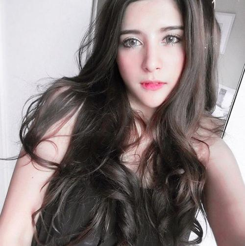 ve dep khong the roi mat cua hot girl thai lan mang dong mau lai - 13