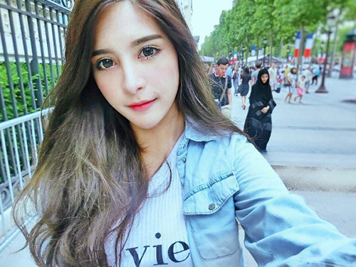 ve dep khong the roi mat cua hot girl thai lan mang dong mau lai - 9