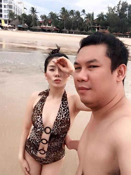 """le quyen khoe hanh phuc ngot ngao ben chong dai gia khien fan """"ghen ti"""" - 2"""